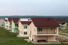 Рядом с Охта расположен Коттеджный поселок  Сторожевая Гора