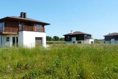 Рядом с Уварово расположен Коттеджный поселок  Коркинские Холмы