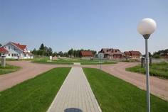 Рядом с Красноозерное расположен Коттеджный поселок  Правдинское Озеро