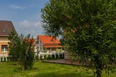 Рядом с LadogaLand расположен Коттеджный поселок  Тихая Ладога