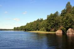 Рядом с Сосновый Пляж расположен Коттеджный поселок  Озеро Пионерское