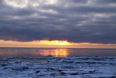 Рядом с Западное Солнце расположен Коттеджный поселок  Русская Красавица