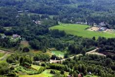 Рядом с Корела Парк расположен Коттеджный поселок  Горы