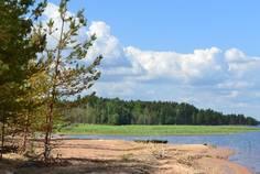 Рядом с Vuoksa Ecoland расположен Коттеджный поселок  Графская пристань