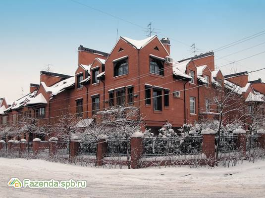 Малоэтажный жилой комплекс Никитинская усадьба, Приморский СПб. Актуальное фото.