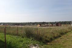 Рядом с Острова расположен Коттеджный поселок  Горка
