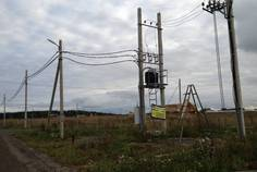 Рядом с Лесная Привилегия расположен Коттеджный поселок  Аропаккузи