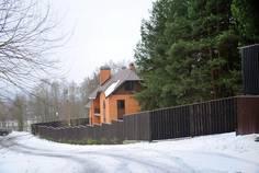 Рядом с HONKA FAMILY CLUB расположен Коттеджный поселок  Ключевой