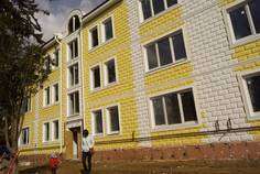 Рядом с Лазурный Дворец расположен Малоэтажный жилой комплекс Поместье у Озера