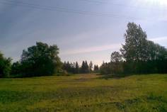 Рядом с Лебяжье расположен Коттеджный поселок  Лебяжье озеро