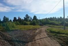Рядом с Приветное расположен Коттеджный поселок  Горная Дубрава