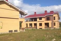 Рядом с Сад времени расположен Коттеджный поселок  Петергофская Мыза