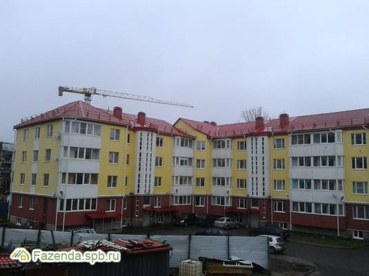 Малоэтажный жилой комплекс Ладожский бриз, Кировский район. Актуальное фото.