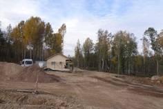 Рядом с Дольское расположен Коттеджный поселок  Овраги (озеро Суходольское)