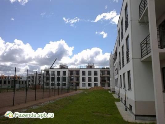 Малоэтажный жилой комплекс Дом в пос. Вартемяги, Всеволожский район. Актуальное фото.