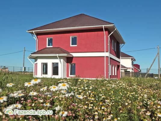 Малоэтажный жилой комплекс Покровское, Гатчинский район. Актуальное фото.