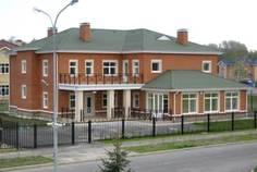 Рядом с Петергоф Парк расположен Коттеджный поселок  Михайловское