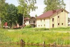 Рядом с дом в пос. Мга расположен Коттеджный поселок  Павловская усадьба
