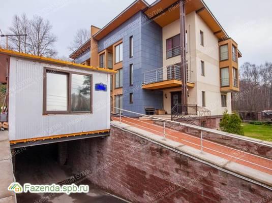 Малоэтажный жилой комплекс На ул. Шарова, Приморский СПб. Актуальное фото.
