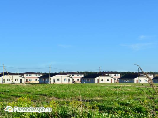 Малоэтажный жилой комплекс Медовая поляна, Ломоносовский район.
