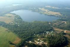 Рядом с Северная усадьба расположен Коттеджный поселок  Ольшаники