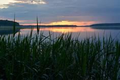 Рядом с Ханнила расположен Коттеджный поселок  Озеро Утиное
