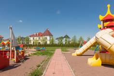 Рядом с Есенин Village расположен Коттеджный поселок  Мариинская усадьба