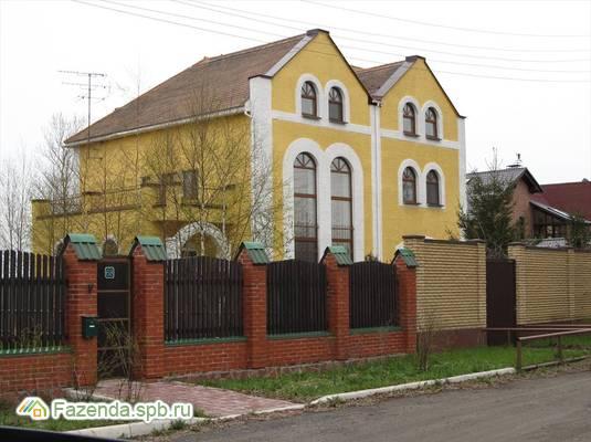 Продажа загородного дома 359 кв.м., Новосаратовка.