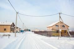 Рядом с Красносельская Усадьба расположен Коттеджный поселок  Подсолнухи