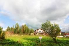Рядом с Охтинская Долина расположен Коттеджный поселок  Охта