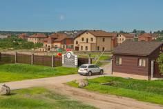 Рядом с Румболово сити расположен Коттеджный поселок  Новая Романовка
