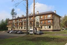 Рядом с Дупельхаусы «Юкки»  расположен Малоэтажный жилой комплекс Черничная поляна