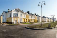 Рядом с 7 Парк расположен Малоэтажный жилой комплекс Александровский