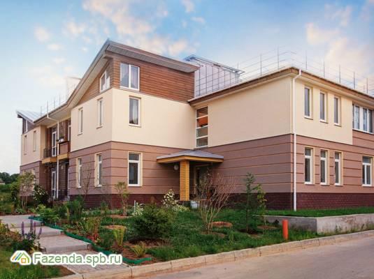 Малоэтажный жилой комплекс Петровская Мельница, Ломоносовский район. Актуальное фото.