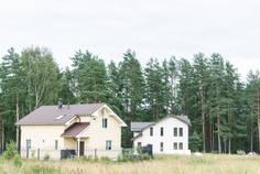 Рядом с Лемболовские Просторы 2 расположен Коттеджный поселок  Перелесье