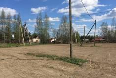 Рядом с Karelia Holiday Park расположен Коттеджный поселок  Озеро уДачи