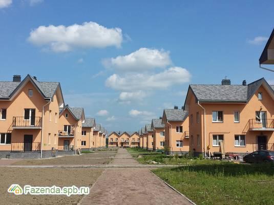 Малоэтажный жилой комплекс Шагрово, Всеволожский район. Актуальное фото.