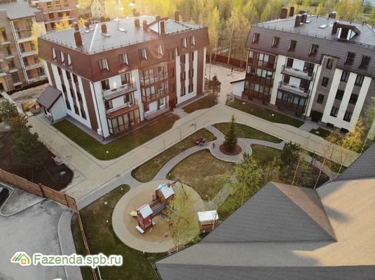 Малоэтажный жилой комплекс Veda Village, Всеволожский район. Актуальное фото.