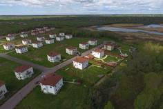 Рядом с Ропшинский квартал расположен Коттеджный поселок  Ропшинские пруды