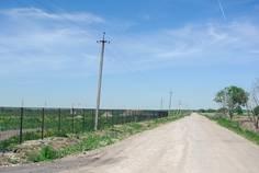 Рядом с Лазурное расположен Коттеджный поселок  Любимово