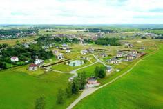 Рядом с Тавры расположен Коттеджный поселок  Рублево