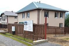 Рядом с Софийские Сады расположен Коттеджный поселок  Любовино