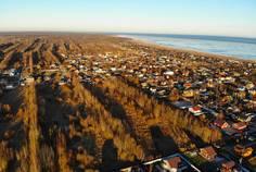 Рядом с Ближняя пристань расположен Коттеджный поселок  Ладога-Village