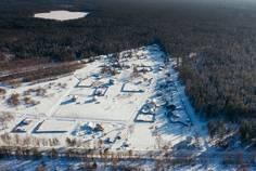Рядом с Aurinko Järvi (Ауринко Ярви) расположен Коттеджный поселок  Тишь да Гладь