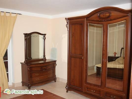 Продажа загородного дома 200 кв.м., Рощино.